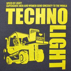 テクノライトTシャツフロントプリント
